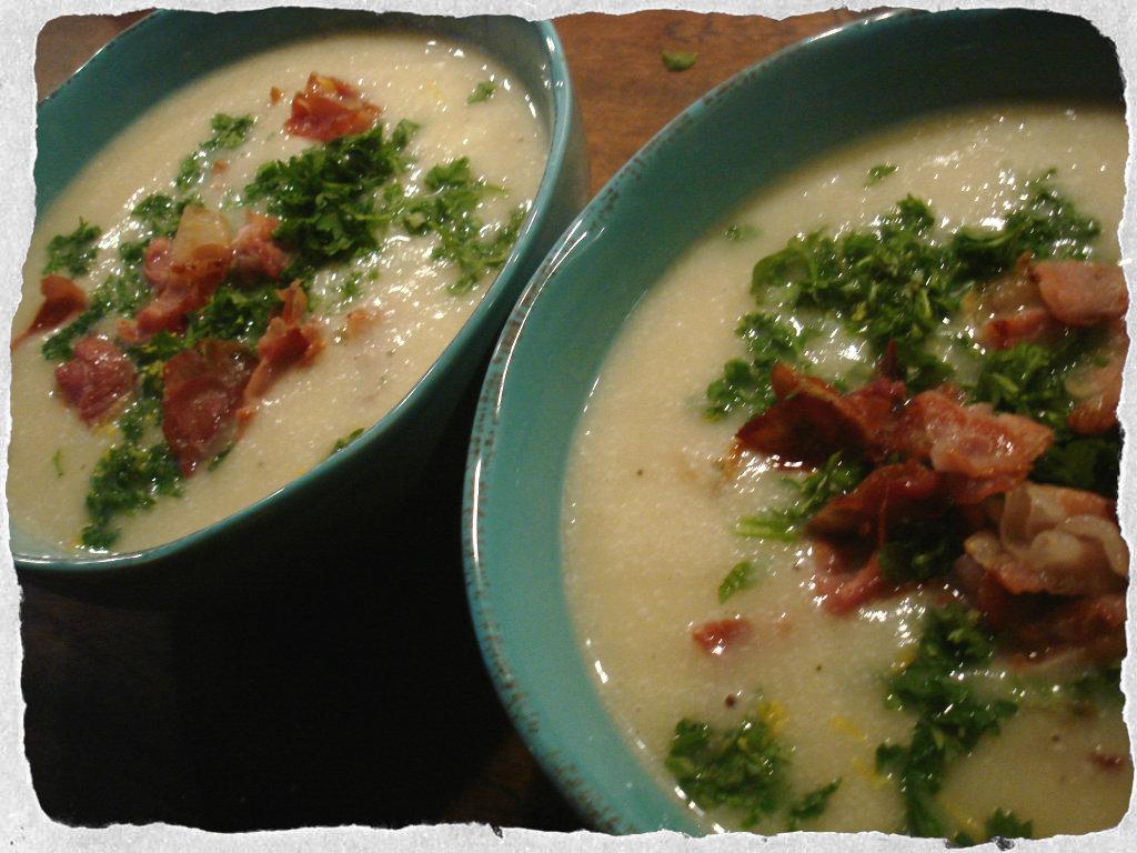 Cauliflower soup with crispy Pancetta and fresh parsley