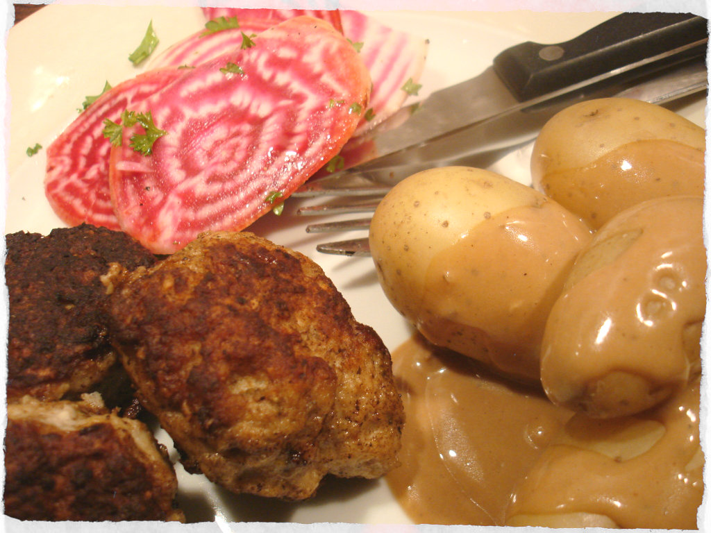 Frokadeller with Chioggia and boiled potatoes